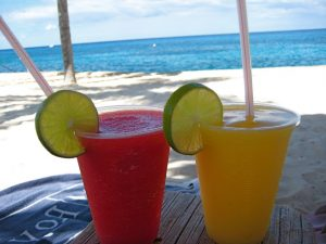 margaritas-on-beach-1024x768